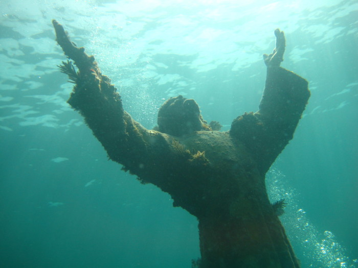 Hidden Underwater Christian Statues Of The Deep ChurchPOP - 23 amazing things divers discovered bottom ocean