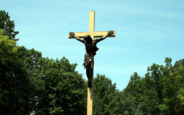 the world s largest crucifix is in a small town in michigan churchpop