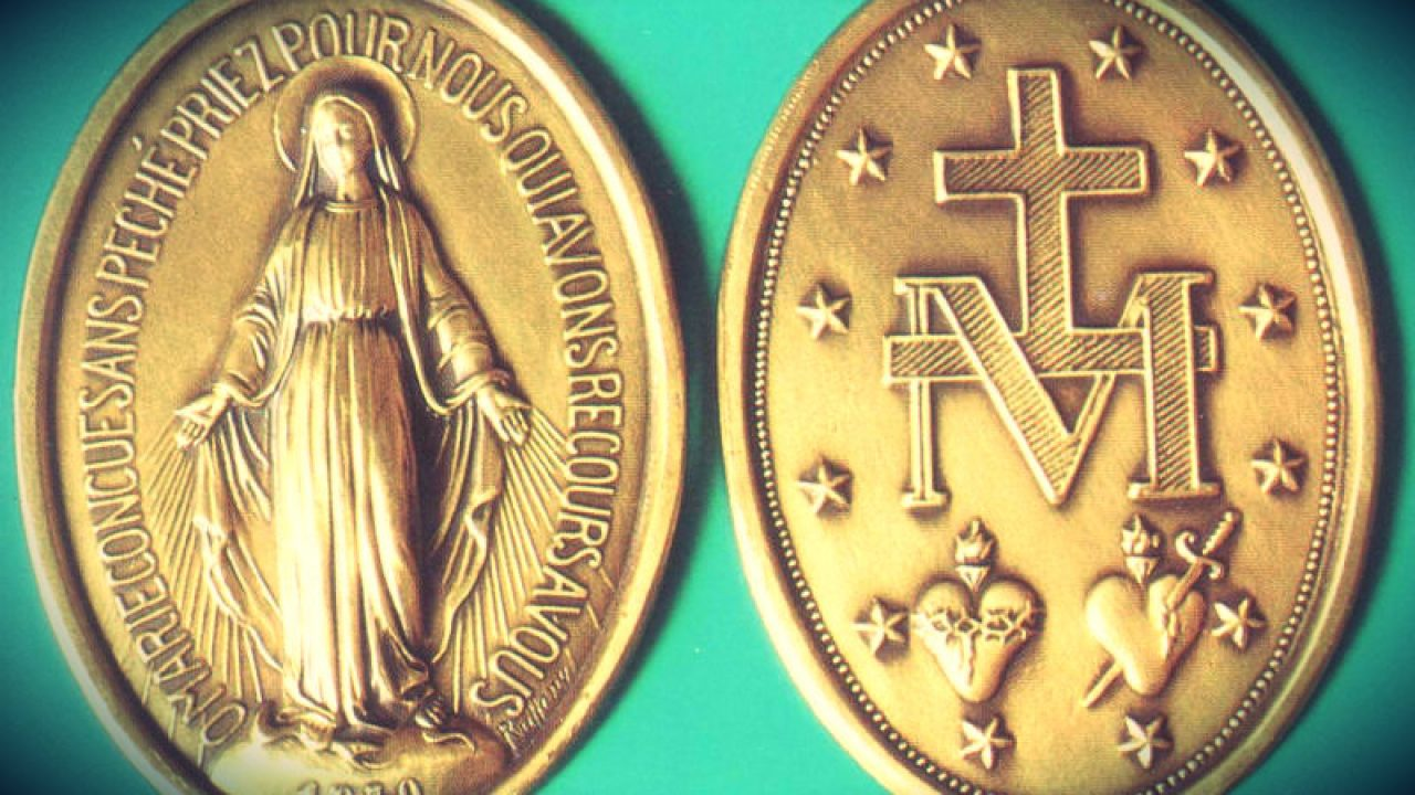 5 Reasons I Wear a Miraculous Medal - And Why You Should Try